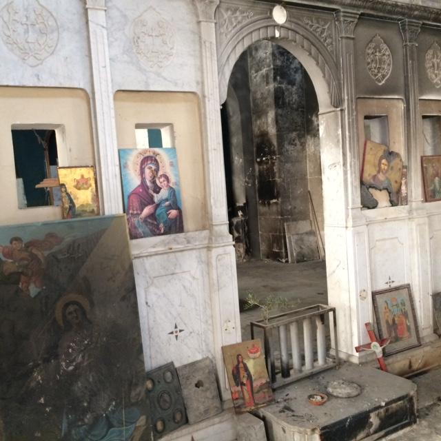 Église ancestrale brûlée par les djihadistes