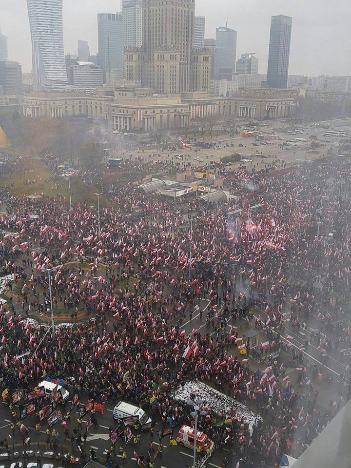 Manifestation monstre à Varsovie !